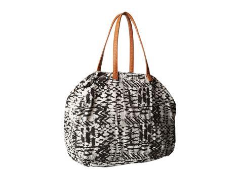 Kaos Oblong Billabong A 1499 1 billabong morro solstice tote bag in black lyst
