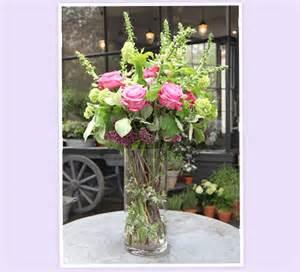 Rose Arrangements In Vases Pom Pom Living By Hilde Leiaghat Flower Arrangements With