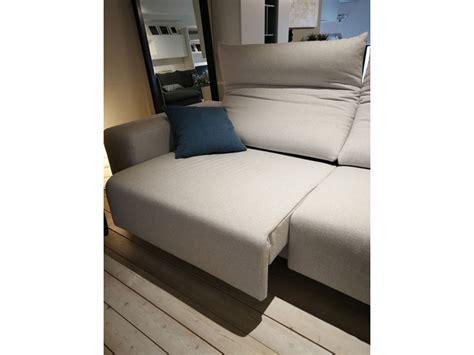 divani in tessuto prezzi divano in tessuto play di biba salotti a prezzo outlet