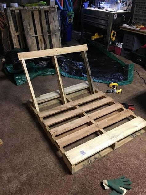 swing made from wood pallets diy wooden pallet swing pallet ideas recycled