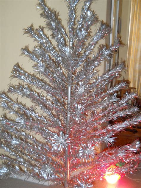 aluminum christmas trees for ssle mi vintage 6 ft aluminum tree by silverline and color