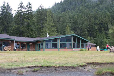 log cabin resort lodge on the edge of lake crescent at log cabin resort