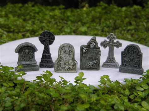 miniature dollhouse garden accessories 6 tiny