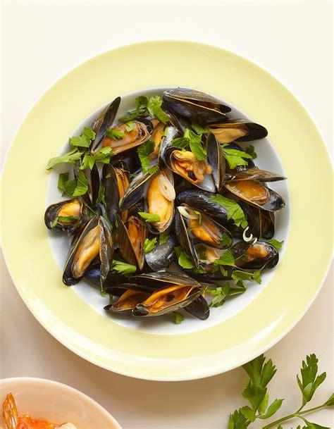 cuisine moules moules marini 232 re 224 la tha 239 e pour 4 personnes recettes
