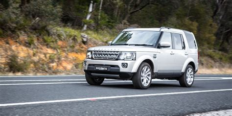 reviews of land rover 2016 land rover discovery sdv6 hse road review caradvice