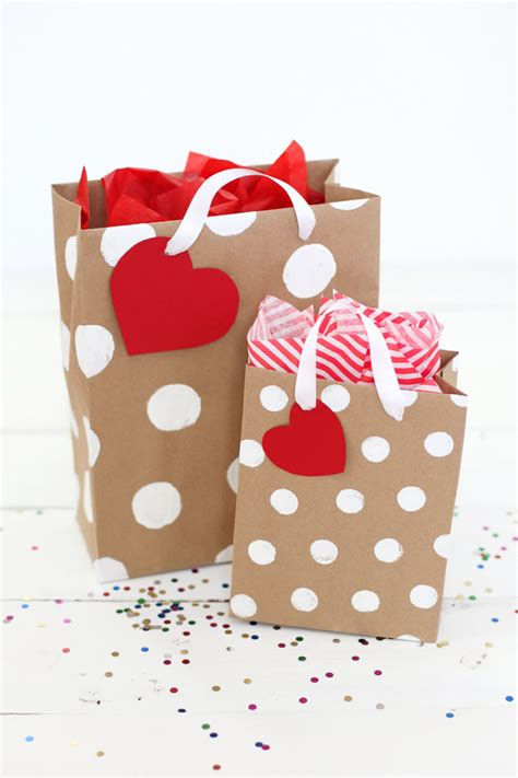Make Paper Gift Bags - how to make professional looking gift bags a beautiful mess