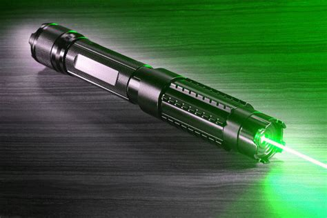 le torche puissante 303 st 228 rkster laserpointer gr 252 n 10000mw reichweite 10000 meter