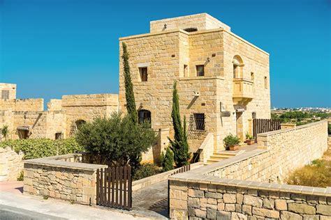 5 bedroom villa in zejtun malta for rent accomodation by