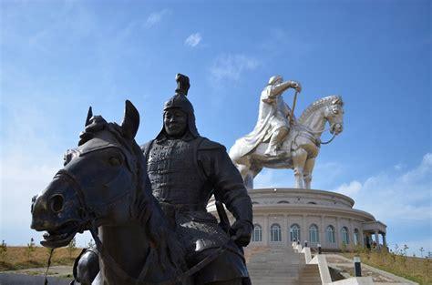 genghis khan equestrian statue wikipedia genghis khan equestrian statue alluring world