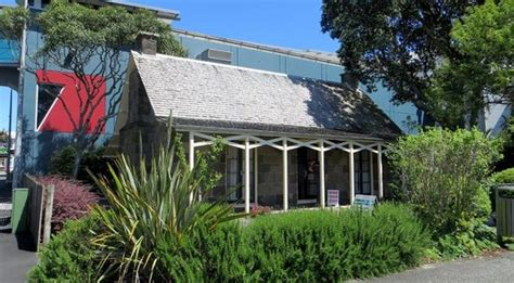 Cottages Richmond by Len Lye Centre New Plymouth New Zealand Top Tips