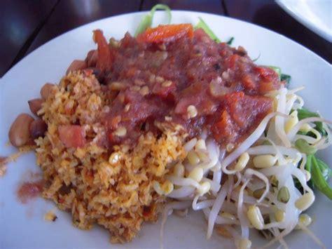 Ayam Panggang Carrefour バリ島 昼飯はtaliwang baruのayam bakarだじ lorenzoの 西方見聞録