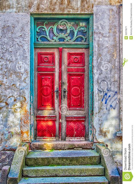 Rustic Paint Colors Red Door Green Frame Stock Image Image Of Entrance