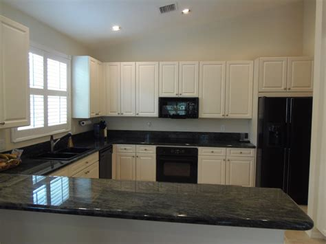 cabinets colors kitchens ideas interiors design marbles kitchen color ideas with oak cabinets and black appliances