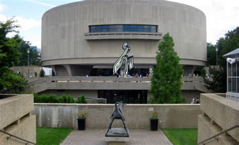 Hirshhorn Museum And Sculpture Garden by Hirshhorn Museum And Sculpture Garden Washington