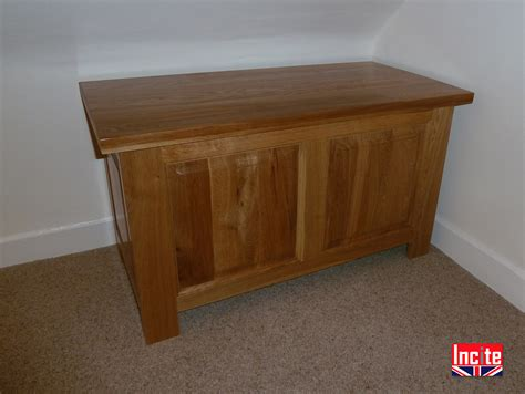 Handmade Bespoke Furniture - custom handcrafted made to measure oak blanket chest
