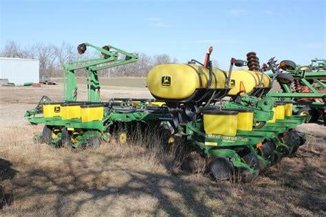 Deere 1770 Planter by Deere 1770 12 Row Planter Sundgren Realty Inc