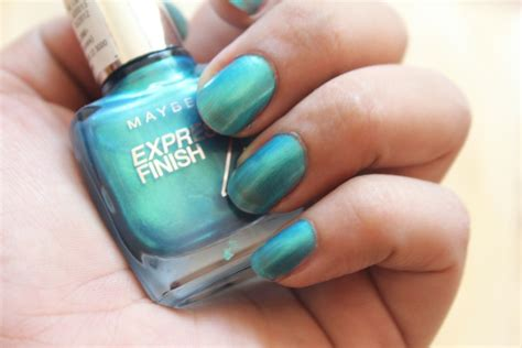 maybelline express finish nail paint turquoise green