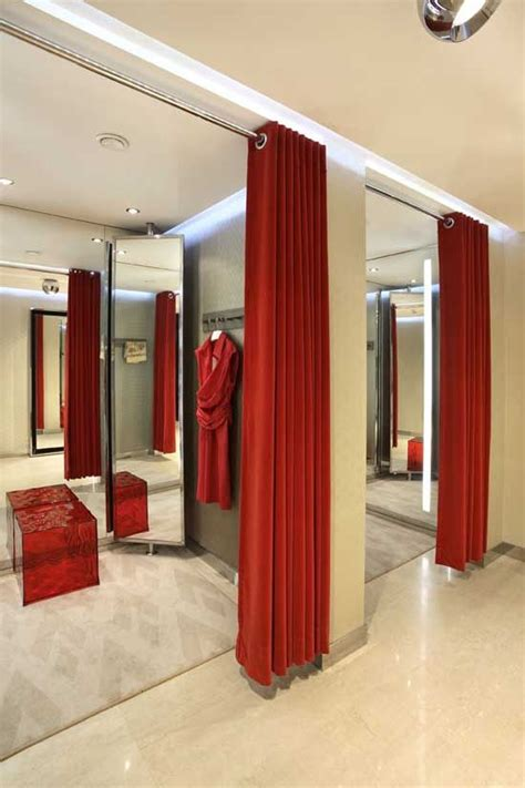 Dressing Room Curtains Designs Mititique Boutique Fashion Boutique Interior With Modern Style Interior Design