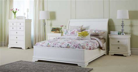 Awesome Bedrooms With White Furniture Design Ideas To Bedroom White Furniture Decorating Ideas