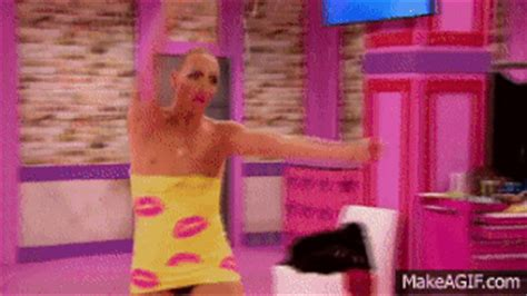 Detox Trixie Drama by Alyssa Edwards Gif