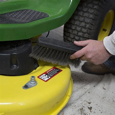how to maintain a riding mower