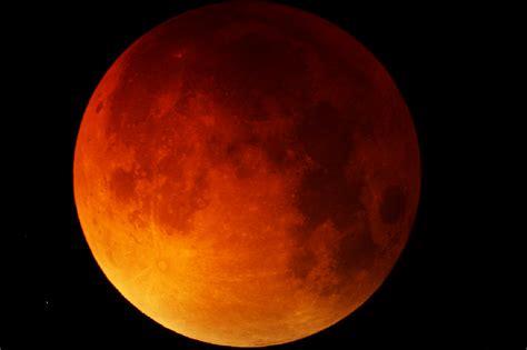 Lunar L by Supermoon Lunar Eclipse Pictures Strange Sounds