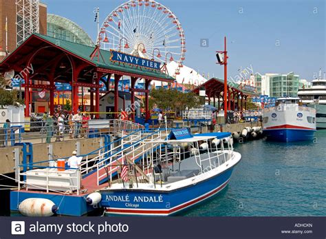 boat cruise chicago navy pier water taxi tour boats chicago s navy pier 1 tourist