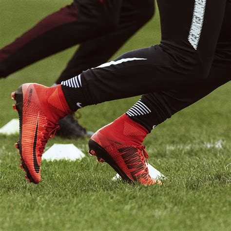 Nike Mercurial Superfly Fg Bright Crimson Flyknit nike mercurial superfly v fg
