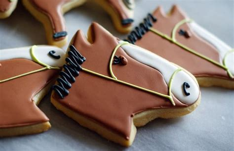 daily delight fancy trash can hgtv design blog 95 best horse cookies and pops images on pinterest