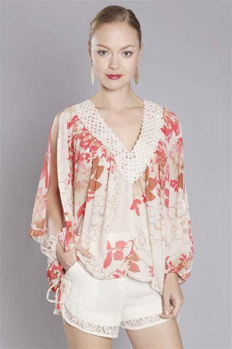 Tunik Style Rin flutter chiffon tunic feminine style is a thing the shorts fashion jewelry