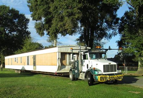 la mobile home moving transportation and set up