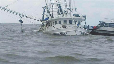commercial fishing boat captain fisherman raps coast guard in sinking incident news