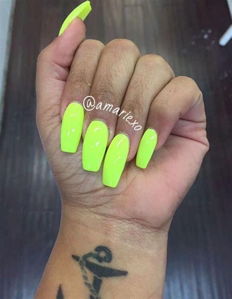 28 Neon Green Acrylic Nail Designs