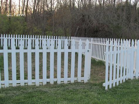 Diy Patio Fence by Diy Garden Fence Using Picket Fence Panels Hometalk