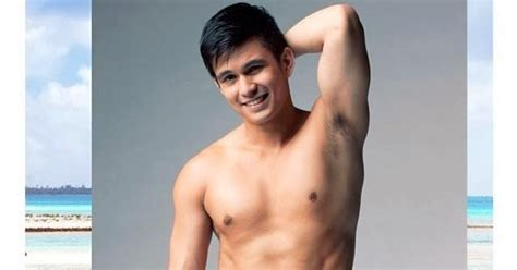bench tom rodriguez click on tom rodriguez bulging in hotness bench summer 2014