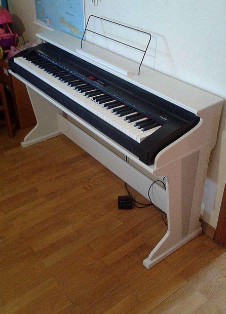 Nice Livingroom stage piano stand