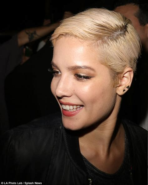 female singer with short hair justin bieber leaves ama party with halsey after being