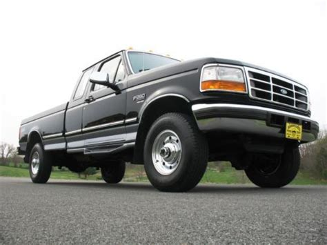 buy used 1996 ford f250 manual low miles 1 owner rust free long bed ext cab black 4x4 in united