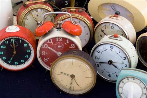 types  alarm clocks