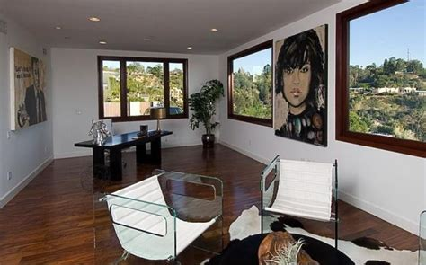 rihanna s home in beverly california