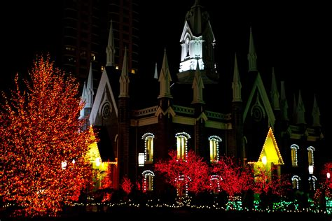 temple square christmas lights mormonism in pictures temple square dressed for christmas