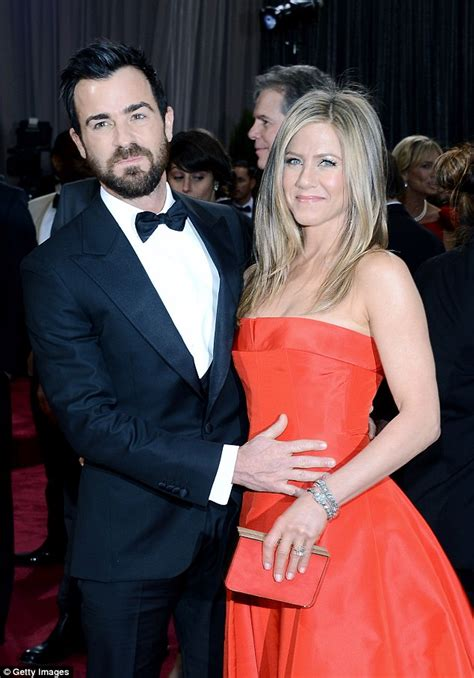 Justin Confirms Split by Justin Theroux Shares Selfies After Aniston Split