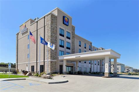 comfort inn and suites careers comfort inn suites mandan bismarck mandan nd jobs