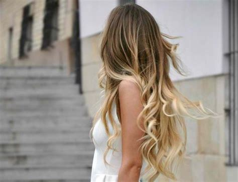 hair with slight waves long dirty blonde hair with slight curls hair pinterest