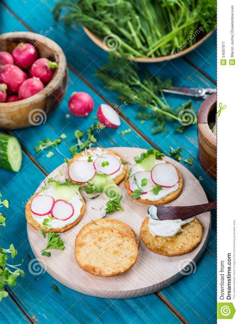 healthy snacks with cottage cheese healthy snacks crackers with cottage cheese and fresh