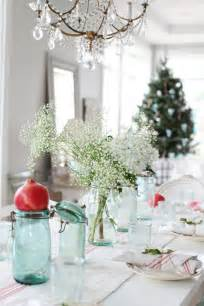 Christmas Table Setting by Dreamy Whites A Simple Christmas Table Setting