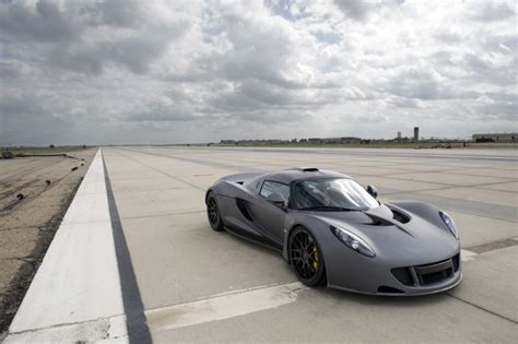 faster than a bugatti hennessey sets new speed record claims venom gt faster