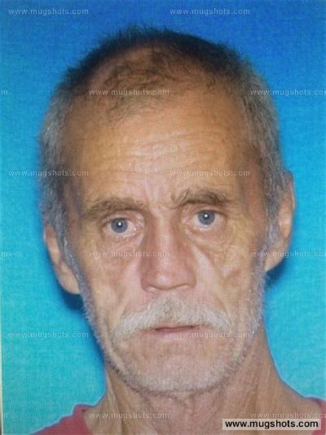Floyd Cook Criminal Record Mugshots Manhunt Floyd Cook Wanted For Attempted Murder Of Tennessee