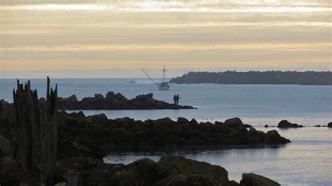 fishing off the south jetty newport oregon