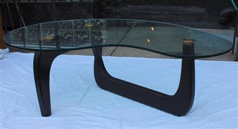 Isamu Noguchi Style Coffee Table 1950 S Isamu Noguchi Style Kidney Shape Coffee Table For Sale At 1stdibs
